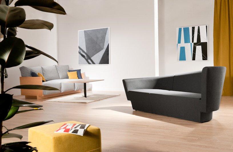 Chopin Sofa by Tomek Rygalik