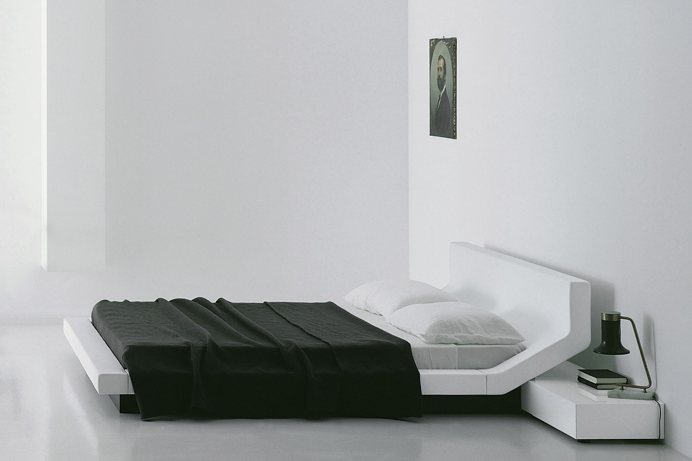 Lipla Bed by Porro