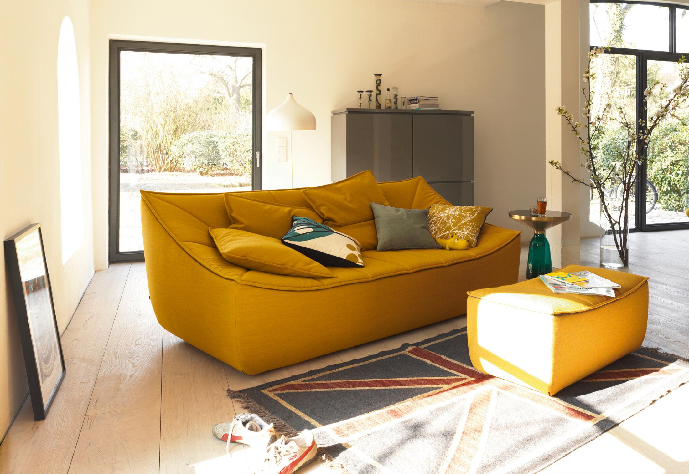Bahir sofa by j rg boner for cor sohomod blog for Sofa vor heizung