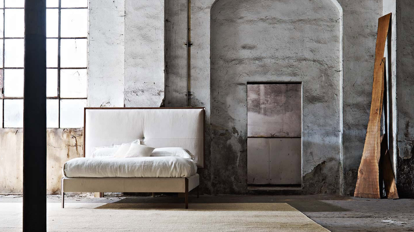 Sweetdreams Bed by Ron Gilad for Molteni & C