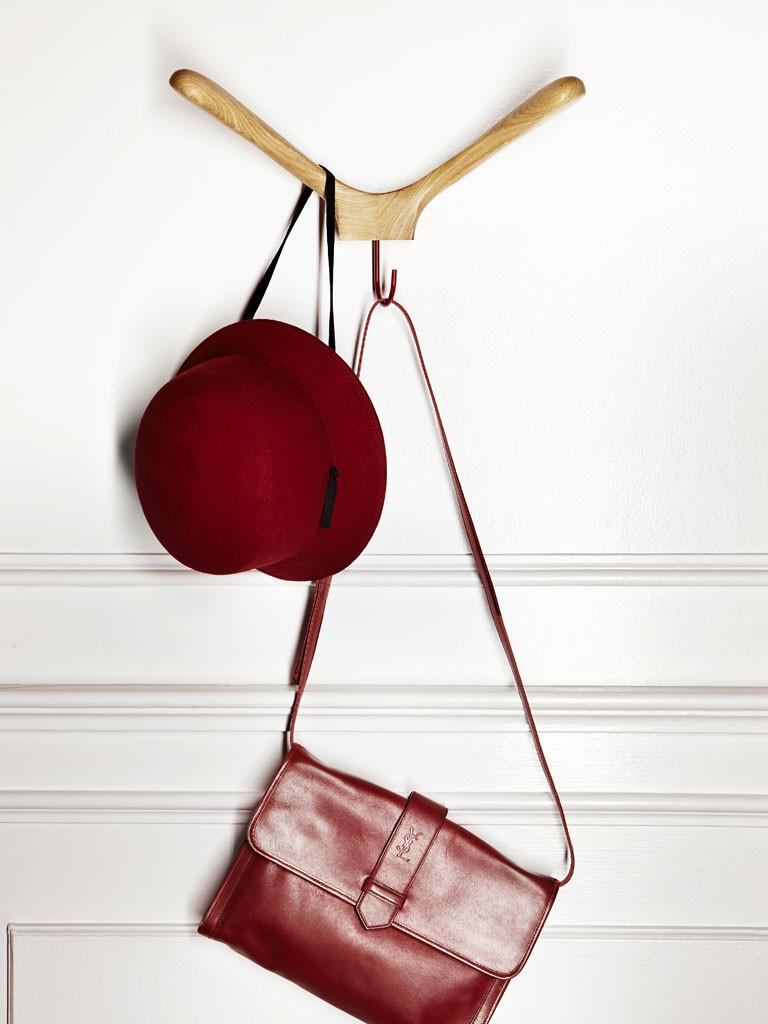 APP Coat Hanger by Incipit