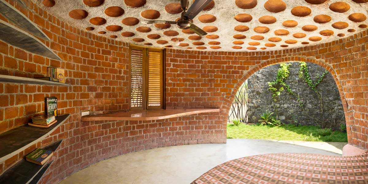 The Brick House in Mumbai, India by iSTUDIO Architecture