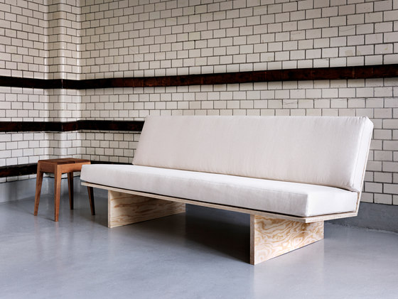Soffa by Mats Theselius for WOODSTOCKHOLM