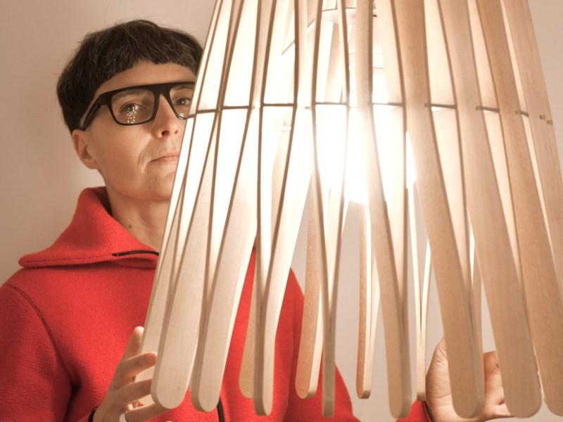 Stick pendant lamp by matali crasset for fabbian for Arredi ecosostenibili