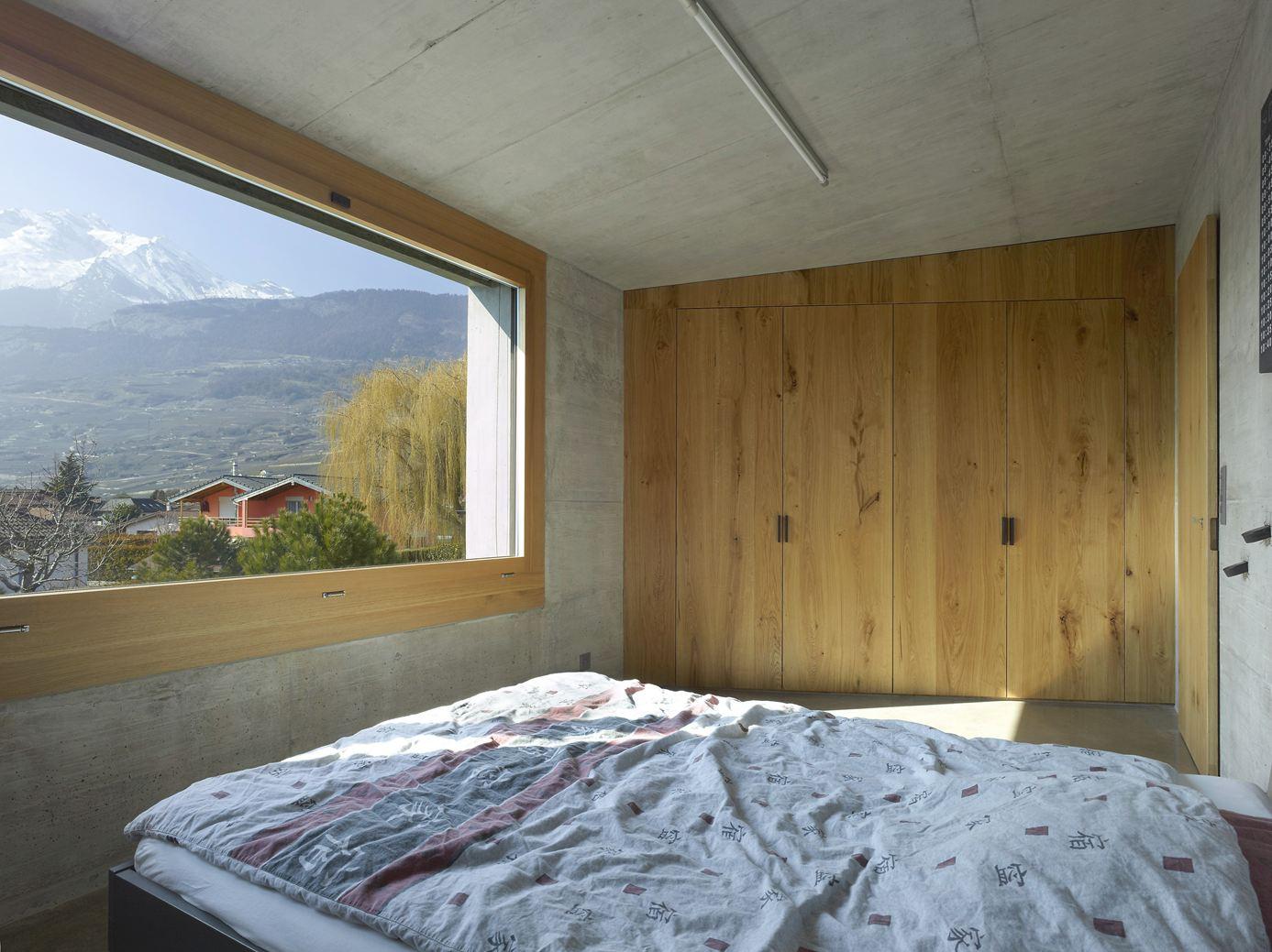 Maison fabrizzi in conthey switzerland by savioz fabrizzi for Interieur kleuren combineren