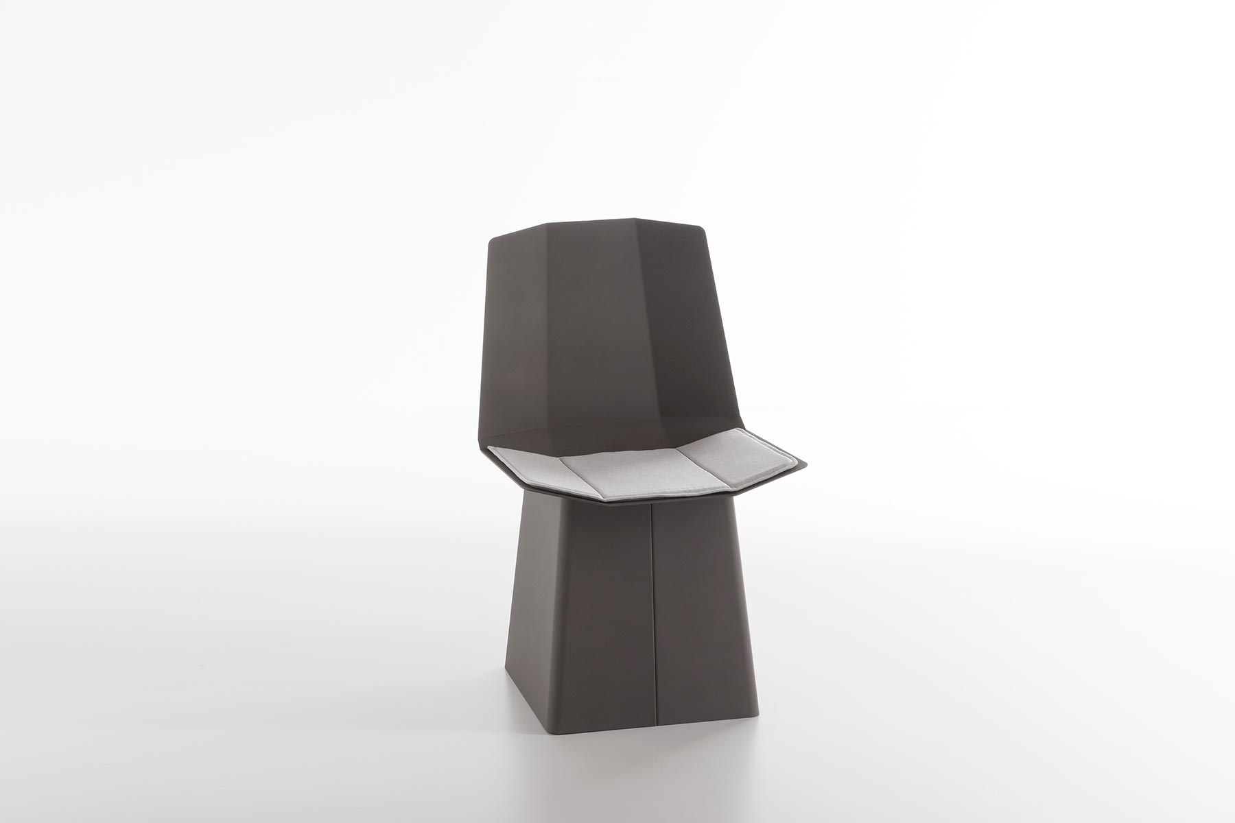 Linito Chair by Yu Ito for Formabilio