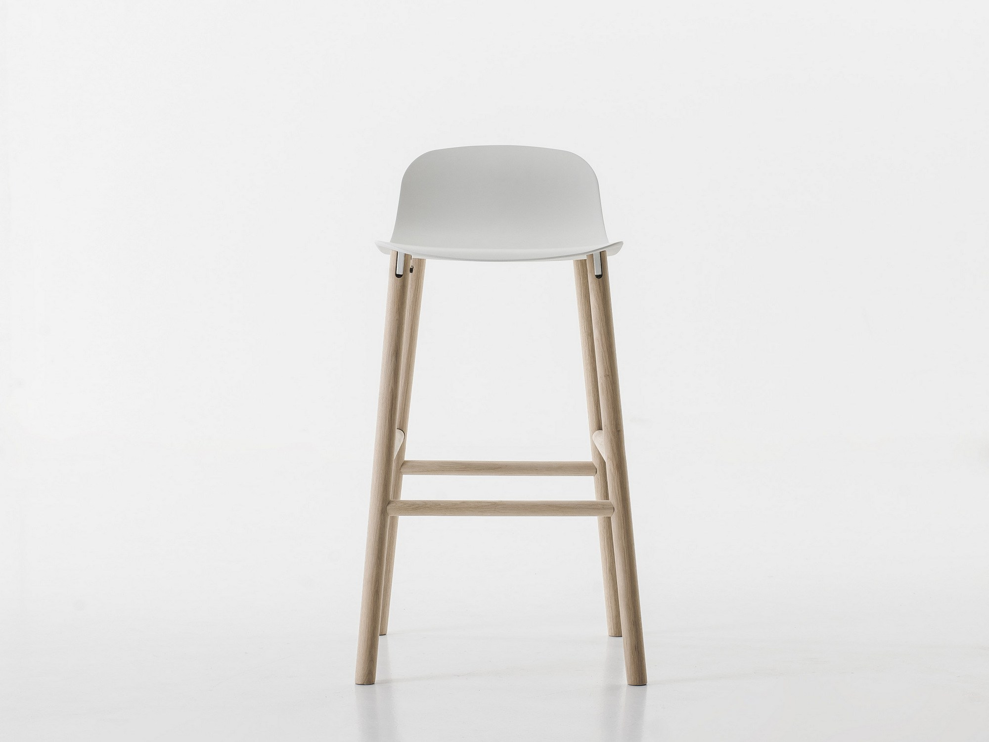 Sharky Stool by Neuland Industriedesign for Kristalia