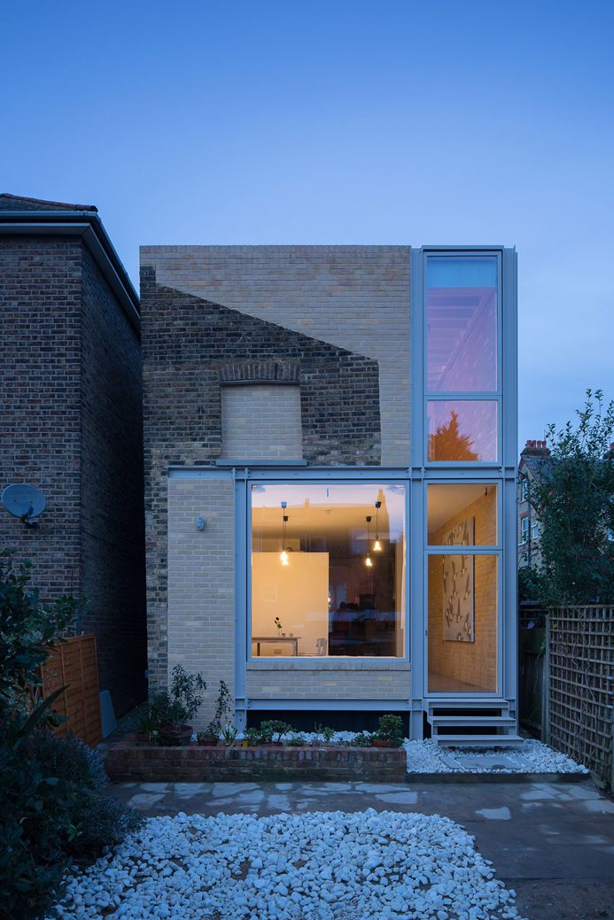 House of Trace in London, UK by Tsuruta Architects