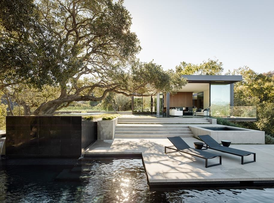 Oak Pass House in Los Angeles, California by Walker Workshop
