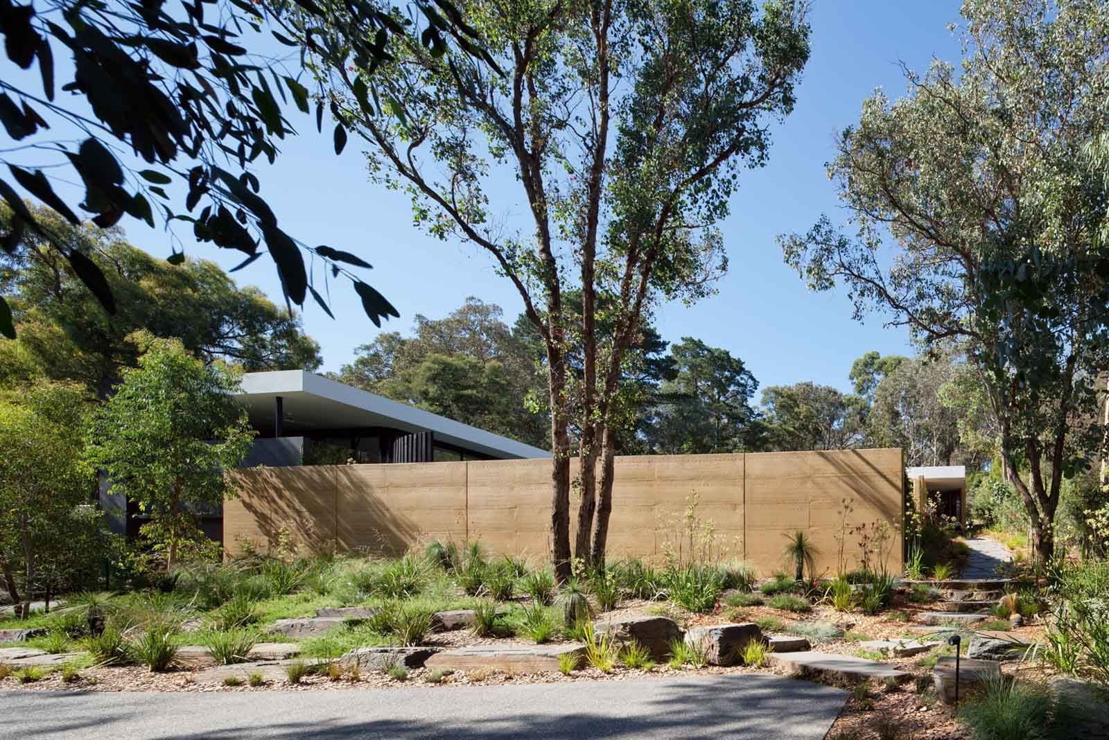 House in Park Orchards, Australia by Pleysier Perkins