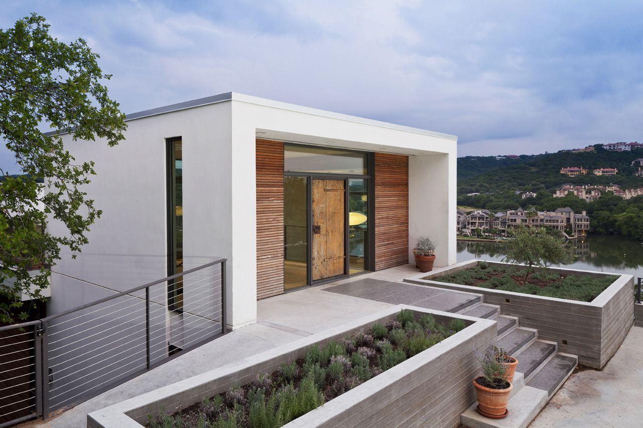 Cliff Dwelling in Austin, Texas by Specht Harpman