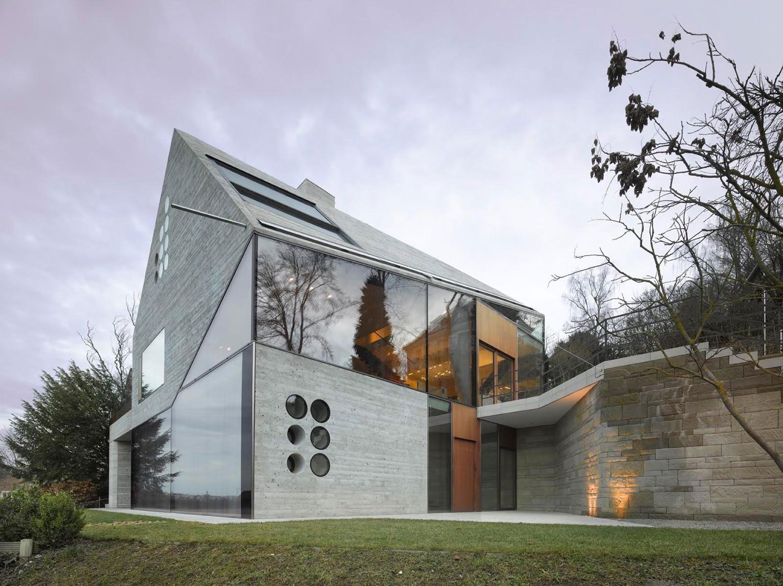house 36 in stuttgart germany by mbas architekten. Black Bedroom Furniture Sets. Home Design Ideas