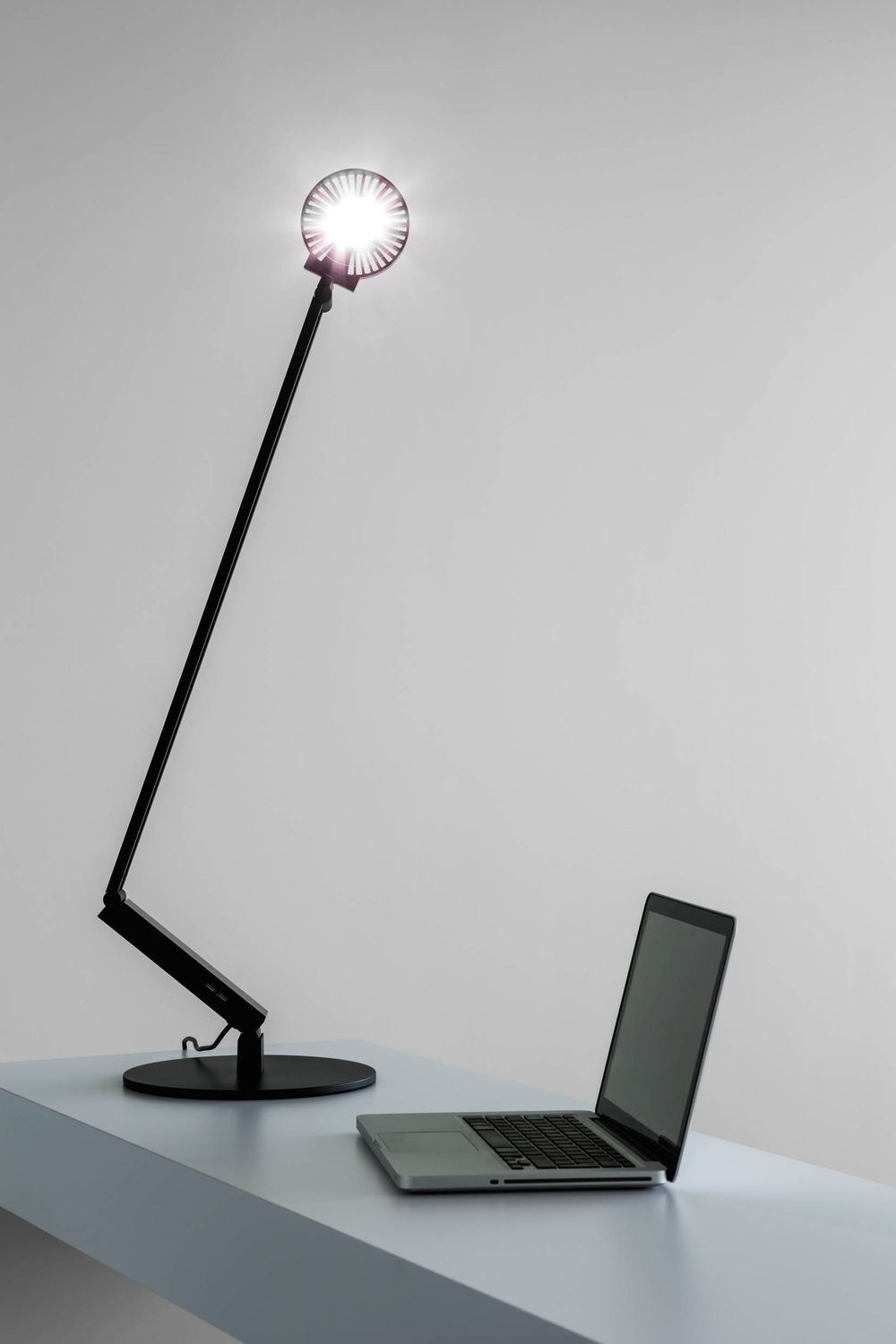 LUCTRA® Table Lamp