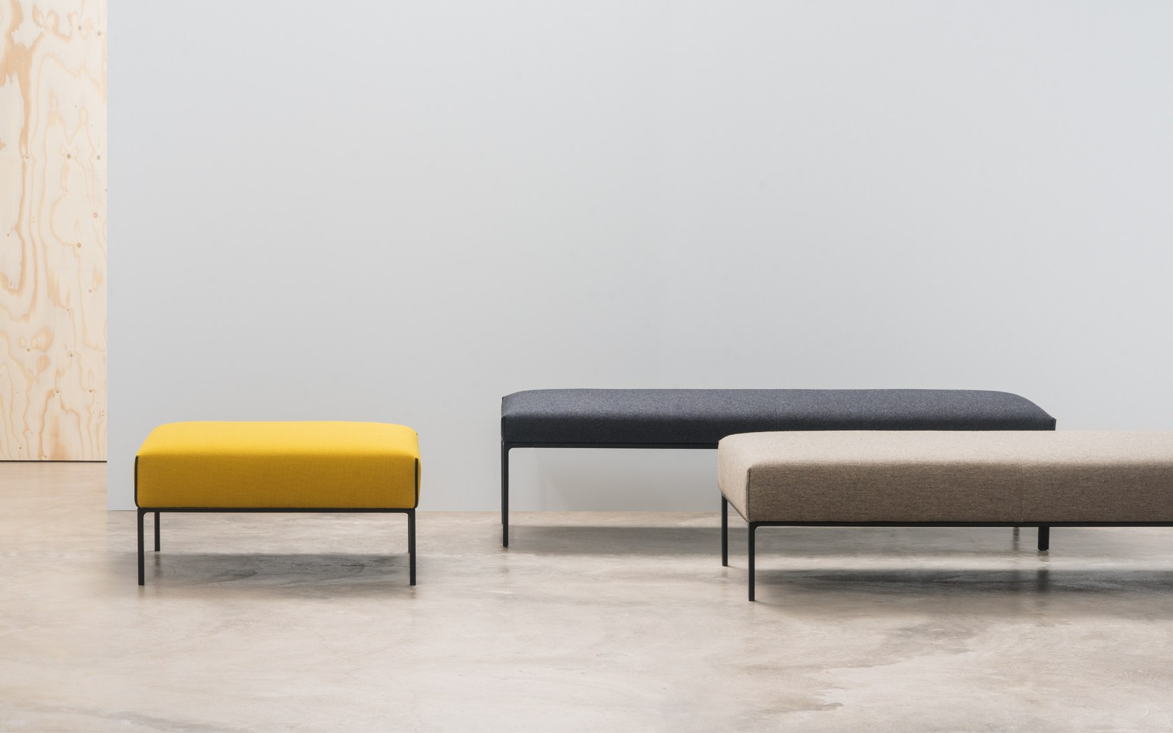 Andrew World Sit Best Of Neocon Extra Table By Andreu World  # Ragla Muebles Infantiles