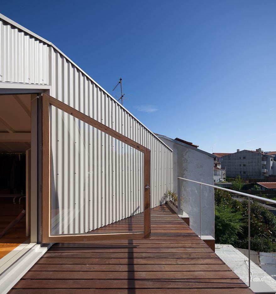 Rosario House in Porto, Portugal by DEPA