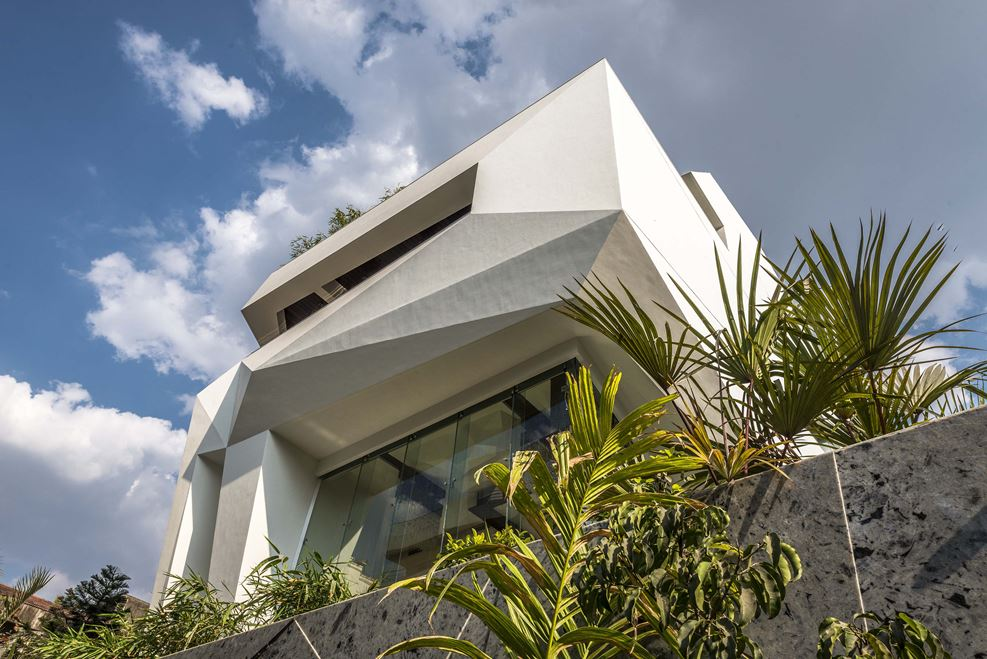 The origami house in pune india by sanjay puri architects for Architecture design for home in pune