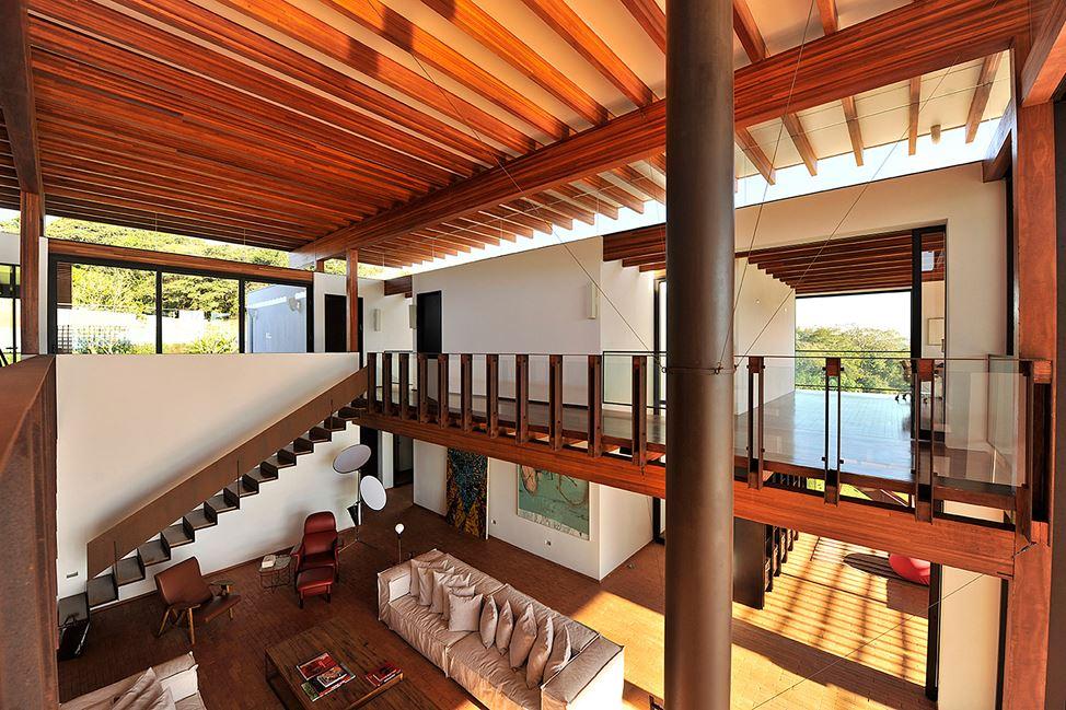 Baroneza House in Bragança Paulista, Brazil by Candida Tabet