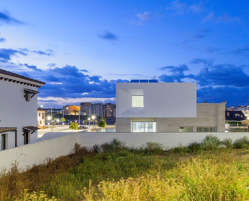 Bezel House in Lepe, Spain by Gonzalez Morgado Arquitectura