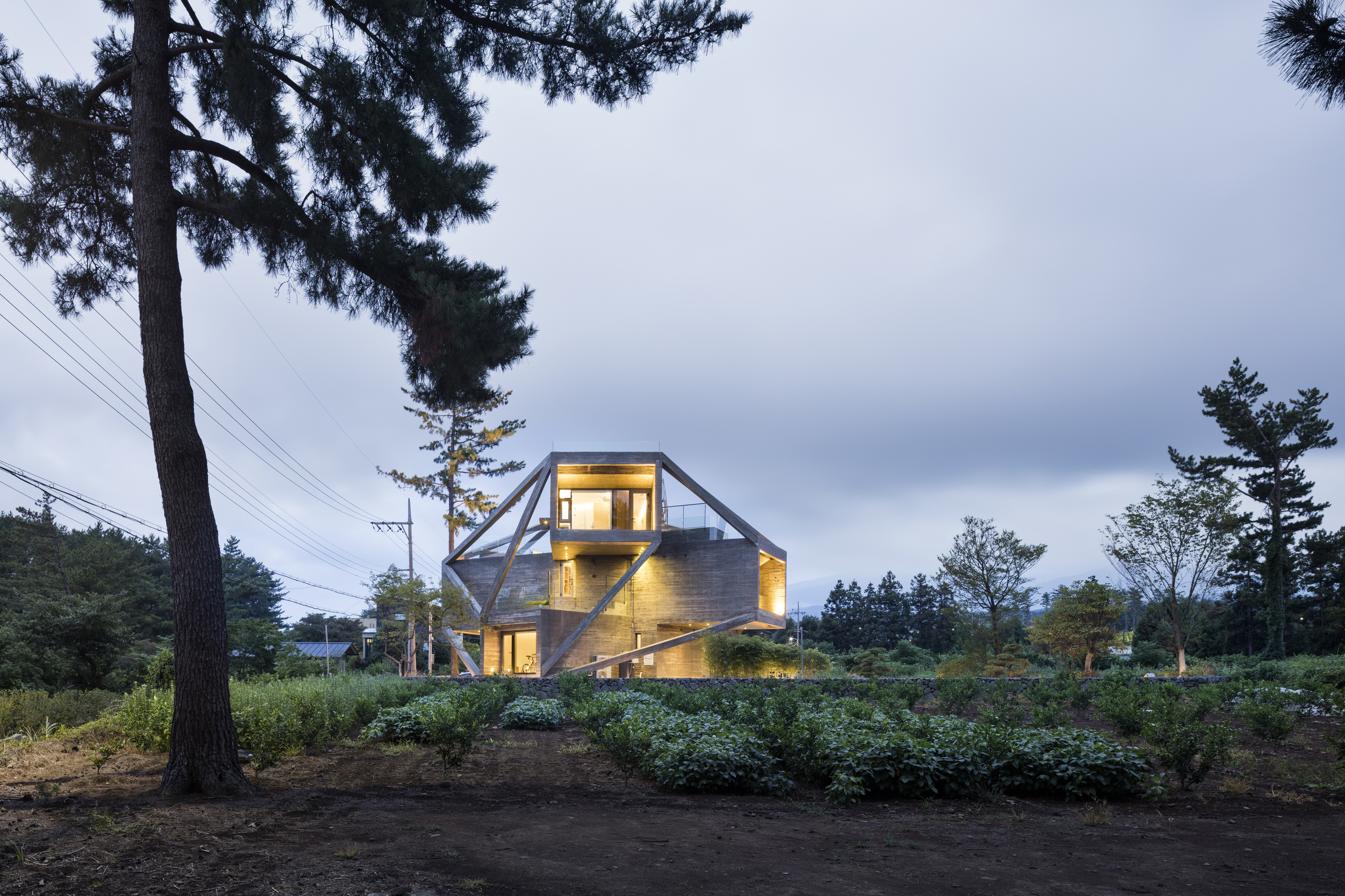 Simple House in Jeju City, South Korea by MOONBALSSO
