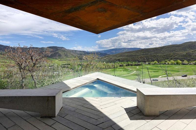 Owl Creek Residence in Snowmass, Colorado by Skylab