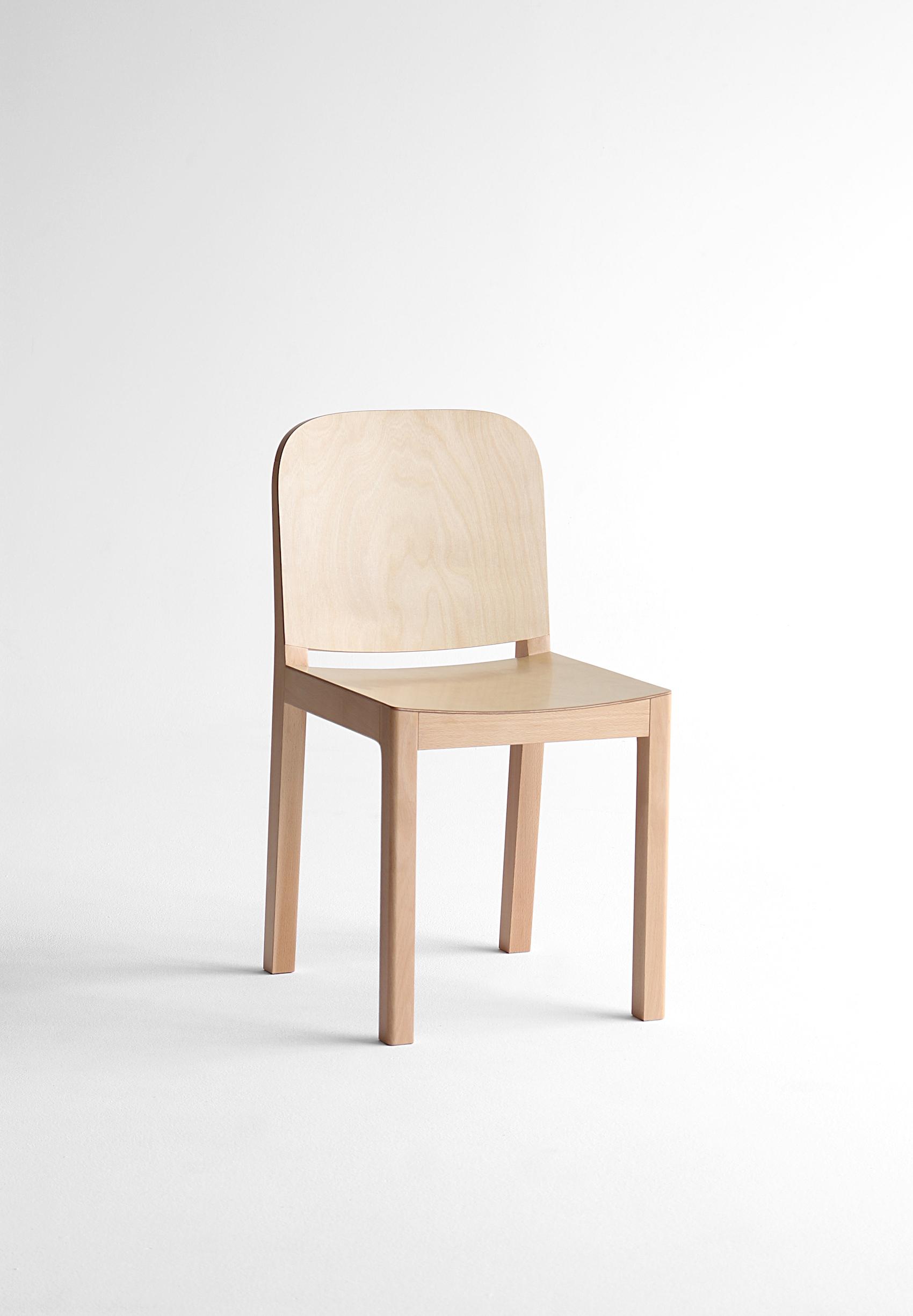Gyeol Chair by Jungmo Yang