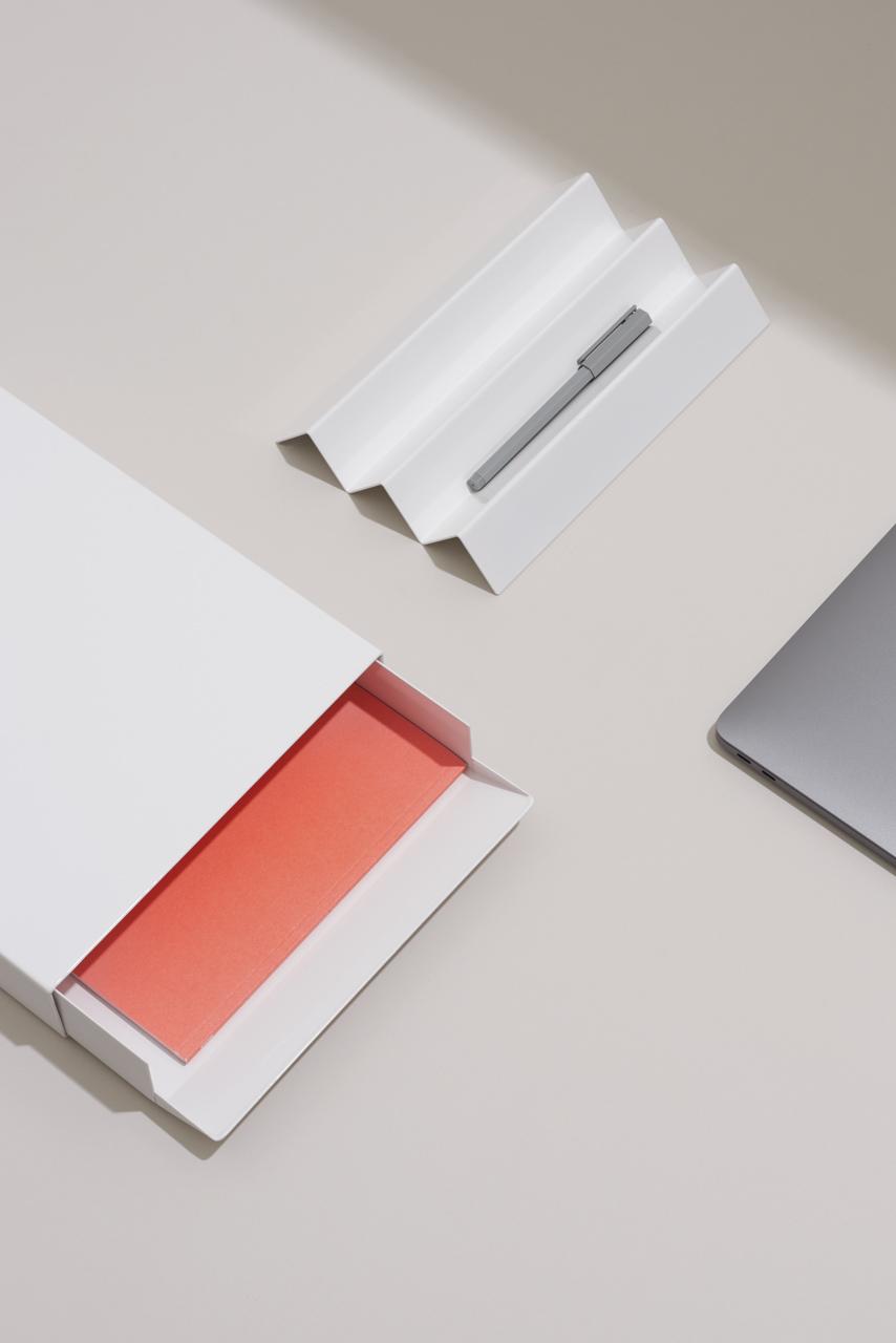 Minimalist Collection of Office Objects by Gerdesmeyer Krohn