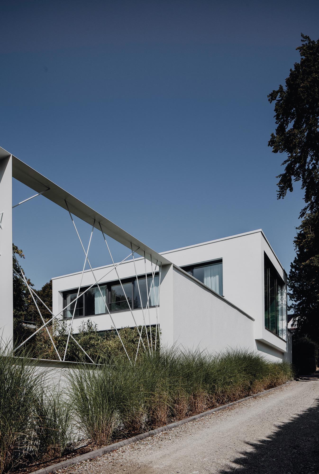 Villa von Osee in Starnberg, Germany by Anna Philipp