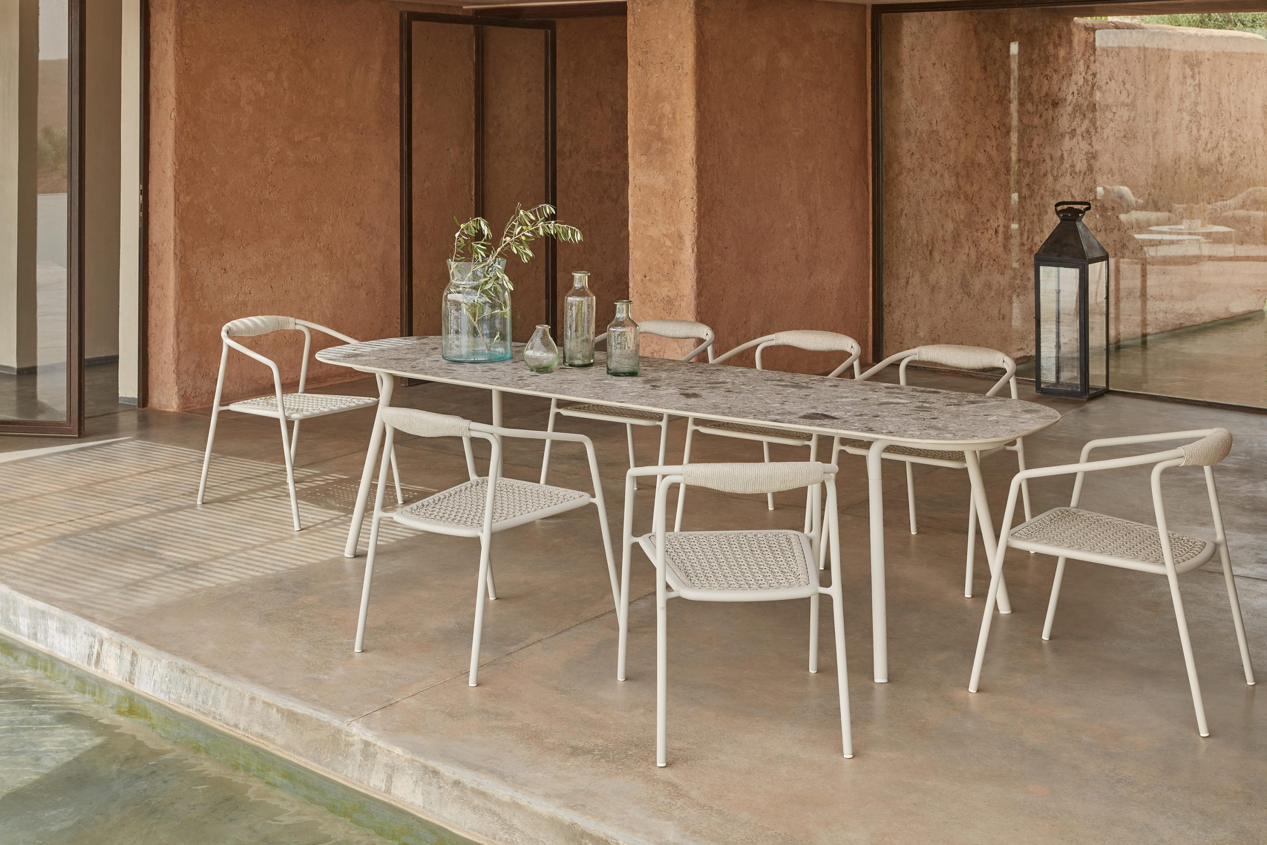 Minus Tables by Manutti