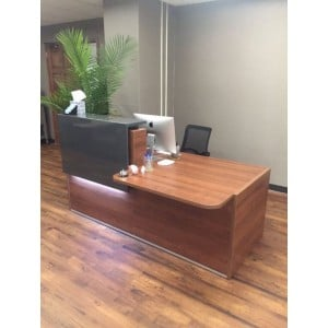 Tera Straight Reception Desk w/Counter Top + w/Light Panel