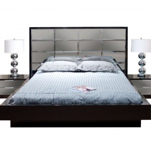 Mera Lacquer/Mirror Platform Bed by Sharelle Furnishings