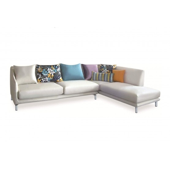 Allison Sectional w/Pillows, Right Arm Chaise Facing photo
