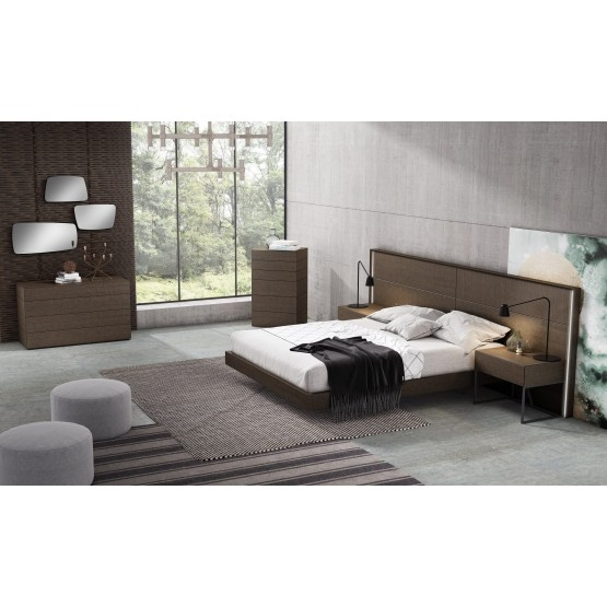 Almada Wood Bedroom Set photo