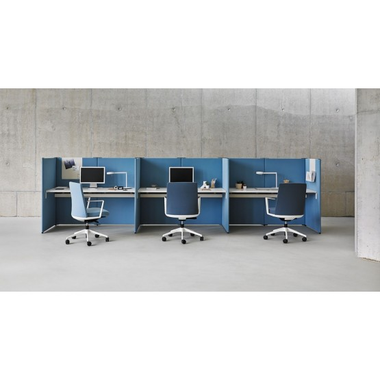 Link 3-Person Office Modular Screen System photo