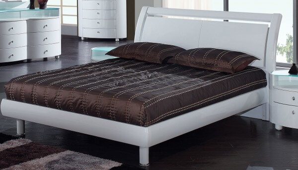 emily king size bed cherry by global furniture usa. Black Bedroom Furniture Sets. Home Design Ideas